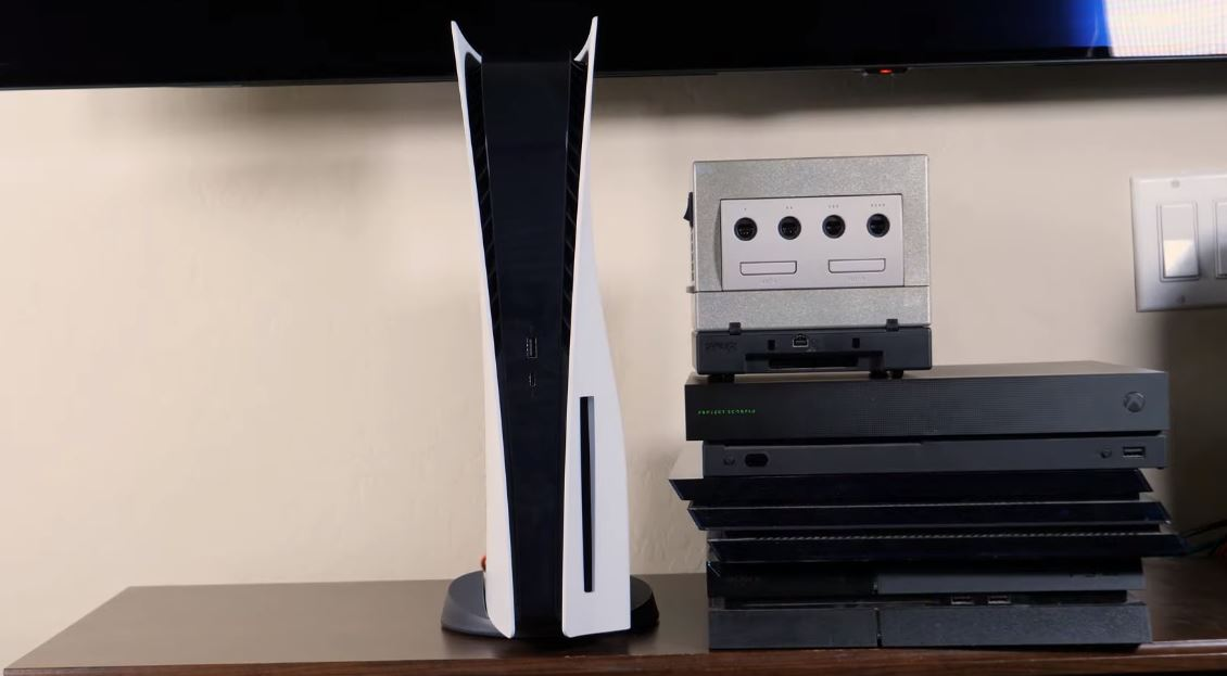 Journalists have finally been able to compare PS5's size
